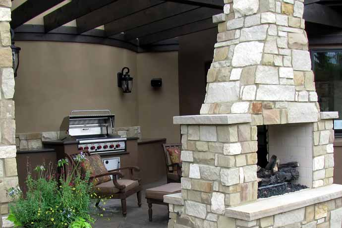 Custom Outdoor Kitchens STL